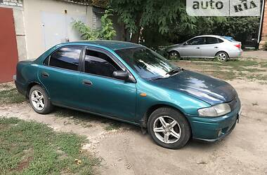 Седан Mazda 323 1998 в Харькове