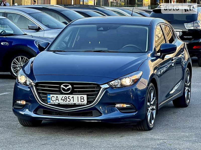 Хэтчбек Mazda 3 2018 в Киеве