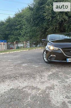 Седан Mazda 3 2015 в Кам'янському