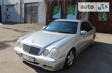 Mercedes-Benz 210 2002