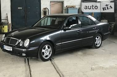Mercedes-Benz 210 2000 в Луцке
