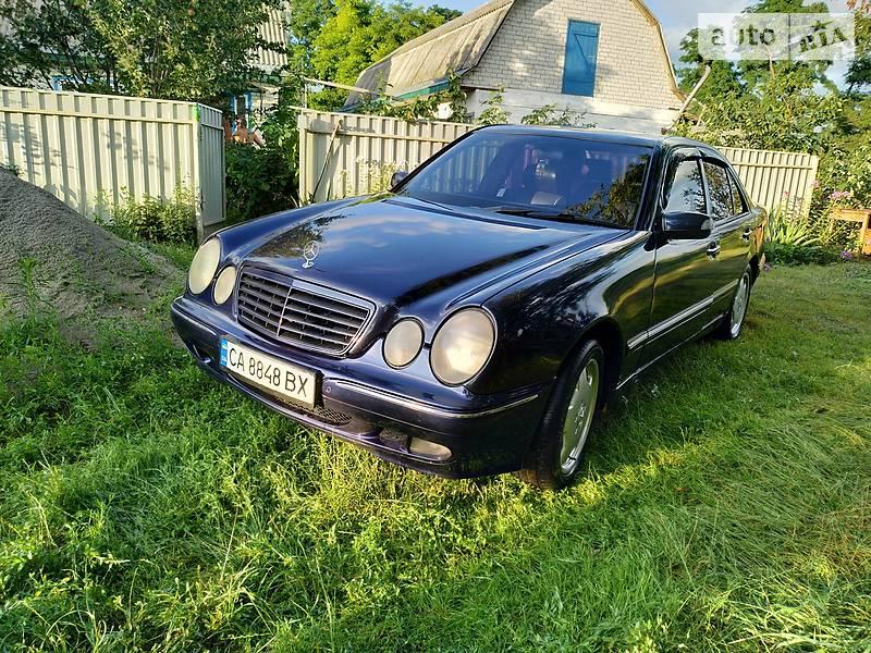 Mercedes-Benz 210 2000 в Чернобае