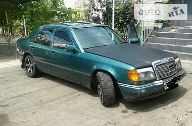 Mercedes-Benz 220 1989 в Днепре