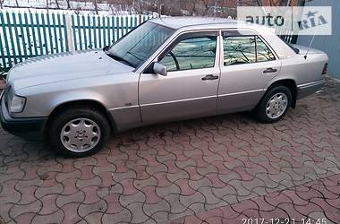 Mercedes-Benz 220 1994 в Одессе