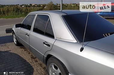 Седан Mercedes-Benz 220 1993 в Одессе
