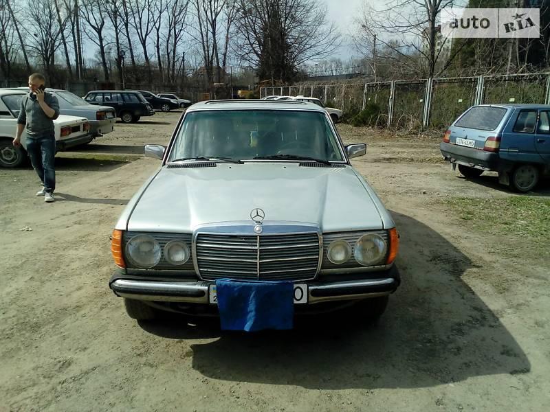 Mercedes-Benz 240 1981 в Ивано-Франковске