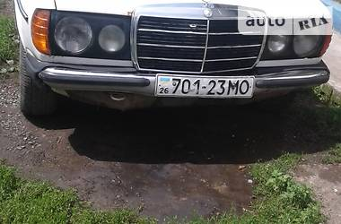 Mercedes-Benz 240 1982