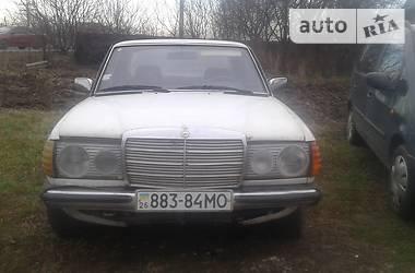 Mercedes-Benz C 200 1981 в Черновцах