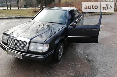 Седан Mercedes-Benz C 230 1987 в Житомире