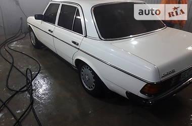Mercedes-Benz C 240 1983 в Кривом Роге