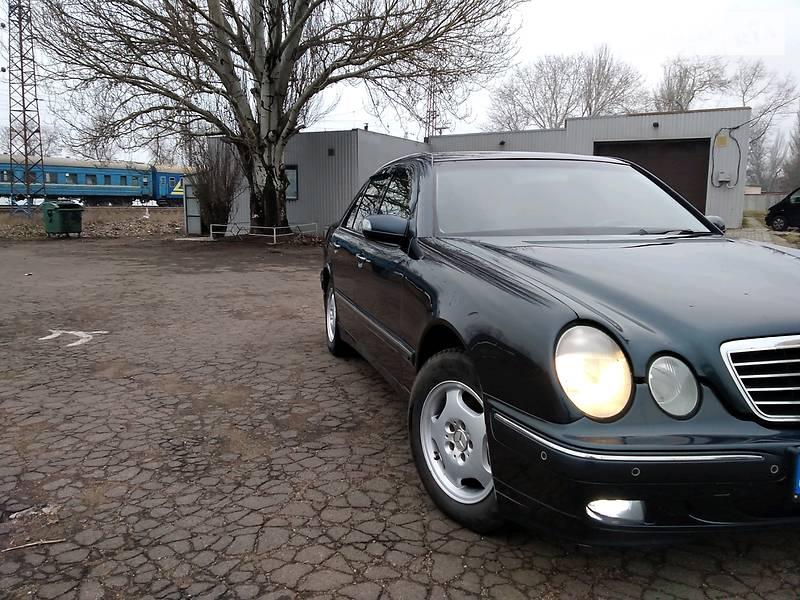 Mercedes-Benz E 200 2001 в Мариуполе