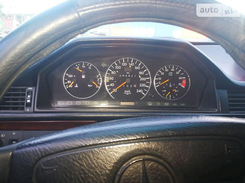 Mercedes-Benz E 200 1993 в Киеве
