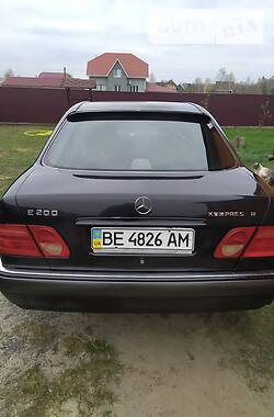 Mercedes-Benz E 200 1997 в Рокитном
