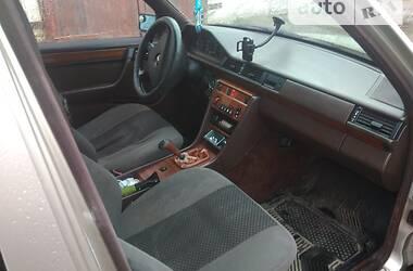 Седан Mercedes-Benz E 200 1993 в Луцьку