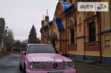 Седан Mercedes-Benz E 200 1987 в Хмельницькому