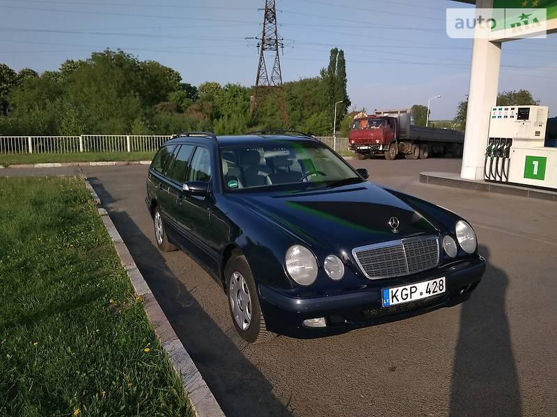 Mercedes-Benz E 220 2002 в Нововолынске