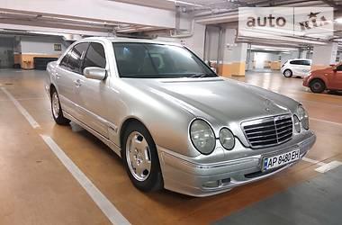 Mercedes-Benz E 220 2002 в Запорожье