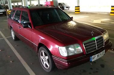 Mercedes-Benz E 220 1993 в Киеве