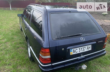 Mercedes-Benz E 250 1995 в Камені-Каширському