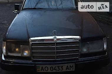 Mercedes-Benz E 260 1990 в Иршаве