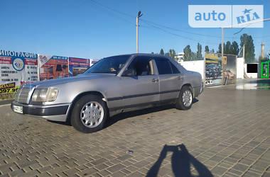 Седан Mercedes-Benz E 260 1988 в Белгороде-Днестровском