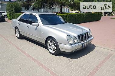 Mercedes-Benz E 280 1997 в Могилев-Подольске