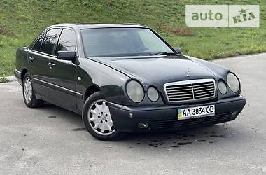 Седан Mercedes-Benz E 280 1996 в Киеве