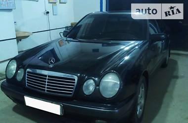 Седан Mercedes-Benz E 290 1999 в Геническе