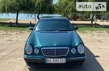 Седан Mercedes-Benz E 290 1998 в Гайвороне