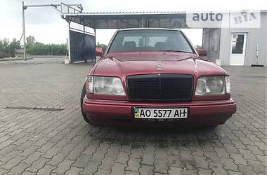 Mercedes-Benz E 300 1995 в Ужгороде
