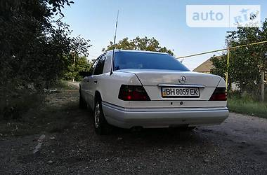 Mercedes-Benz E 300 1995 в Луцке