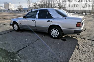 Mercedes-Benz E 300 1992 в Полтаве