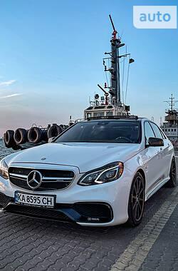 Седан Mercedes-Benz E 400 2015 в Киеве