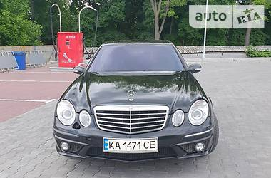 Седан Mercedes-Benz E 500 2004 в Виннице