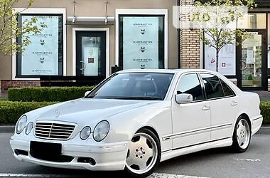 Седан Mercedes-Benz E 55 AMG 2001 в Києві