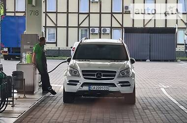 Внедорожник / Кроссовер Mercedes-Benz GL 450 2010 в Киеве