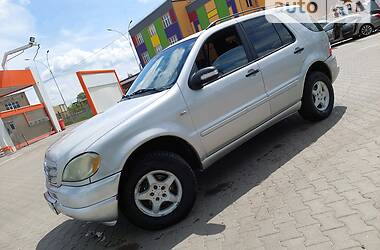 Внедорожник / Кроссовер Mercedes-Benz ML 230 1999 в Черновцах
