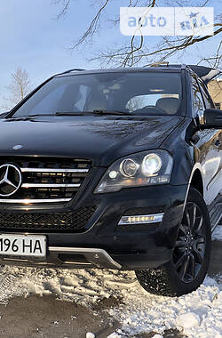 Mercedes-Benz ML 350 2011 в Вараше