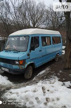 Микроавтобус грузовой (до 3,5т) Mercedes-Benz T1 208 груз 1995 в Немирове