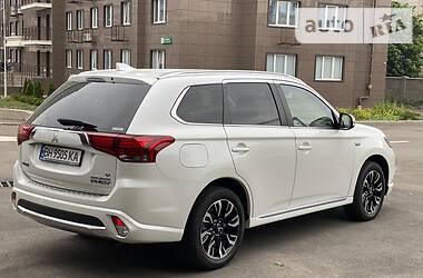 Внедорожник / Кроссовер Mitsubishi Outlander PHEV 2018 в Одессе