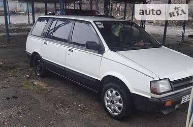 Mitsubishi Space Wagon  1985