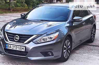 Седан Nissan Altima 2015 в Днепре