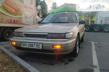 Nissan Bluebird 1990 в Одессе