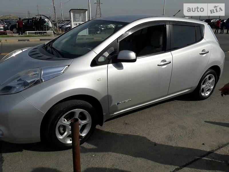 Nissan Leaf 2010 року