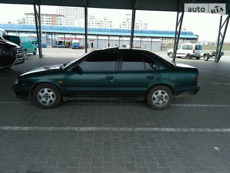 Nissan Primera 1993 года