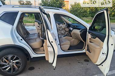Позашляховик / Кросовер Nissan Rogue 2015 в Запоріжжі
