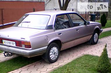 Opel Ascona 1985 в Ужгороде