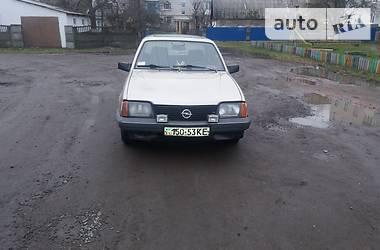Opel Ascona 1983 в Новограде-Волынском
