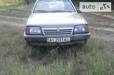 Opel Ascona 1986 в Тараще