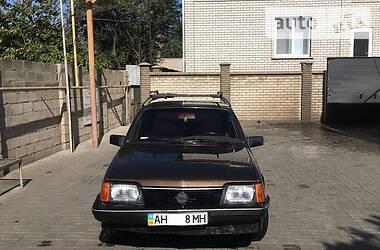 Opel Ascona 1983 в Мариуполе